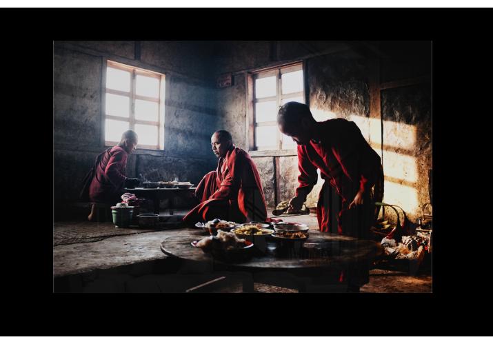 Breakfast in Burma - Lise Hébuterne